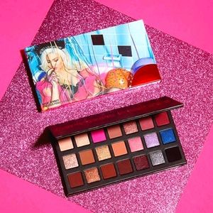 Kylie Sipping Pretty Palette